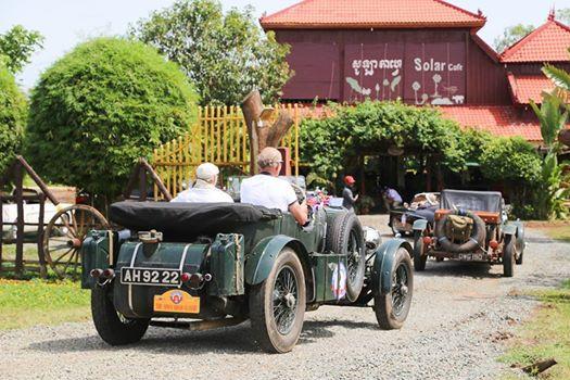 Rallye vintage dans le royaume. Photographie par ''Destination-Rallye''