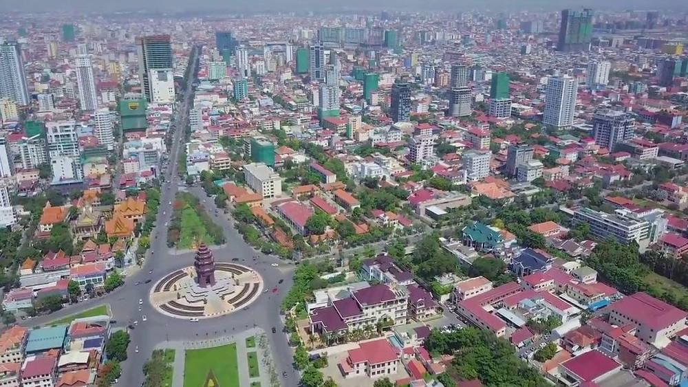 Vue aérienne de la capitale Phnom Penh