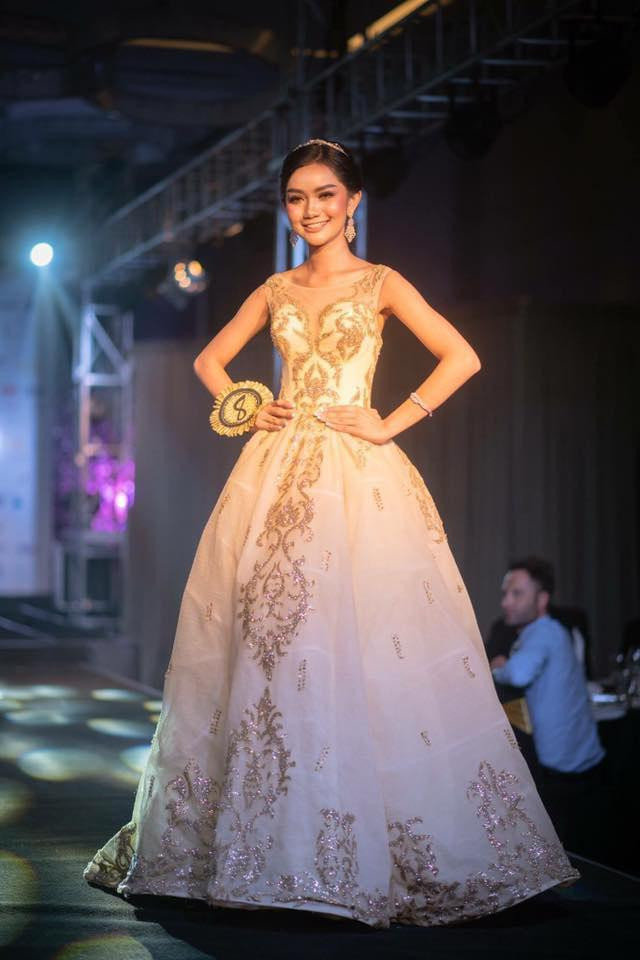 Somnang Alyna devient Miss Univers Cambodge