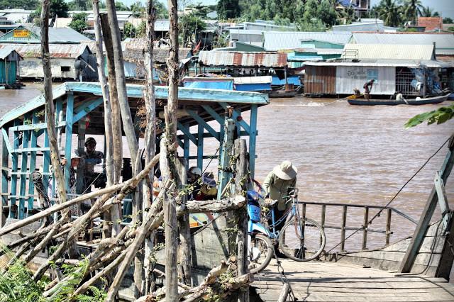 Village flottant à Koh Thom