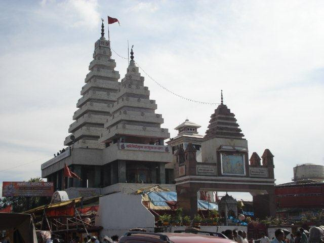 """Le ministère des Affaires étrangères et de la Coopération internationale du Cambodge a envoyé une note de protestation au ministère des Affaires extérieures de l'Inde concernant le projet de construction d'une réplique d'Angkor Wat dans l'Etat du Bihar, en Inde. Le gouvernement royal du Cambodge a reçu un rapport indiquant que """"MAHAVIR MANDIR TRUST"""" avait prévu de construire une réplique d'Angkor Wat dans l'Etat du Bihar."""
