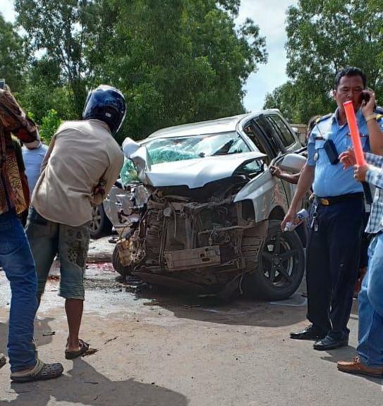 L'accident est survenu à neuf heures ce matin alors que le prince et son épouse se rendaient à Sihanoukville