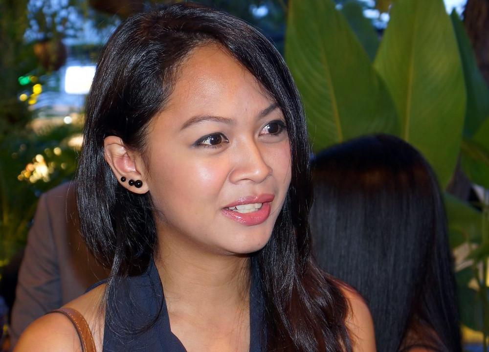 Lisa Concepcion lors d'un concert de charité à Phnom Penh