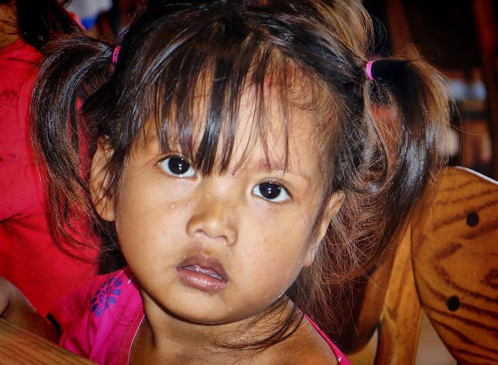 Enfant des bidonvilles de Phnom Penh