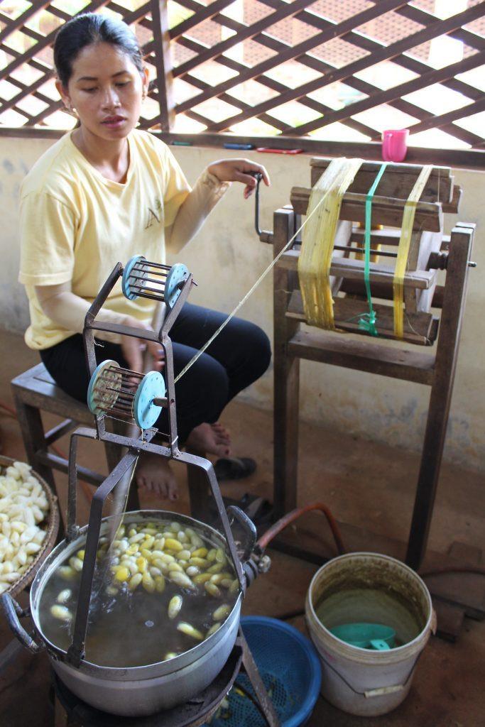 Filage du fil de soie