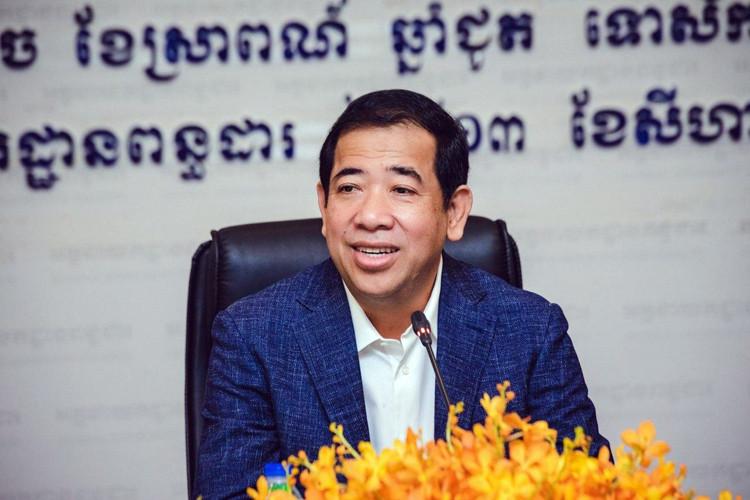 Le directeur général du Département général de la fiscalité (DGF), S.E. Kong Vibol