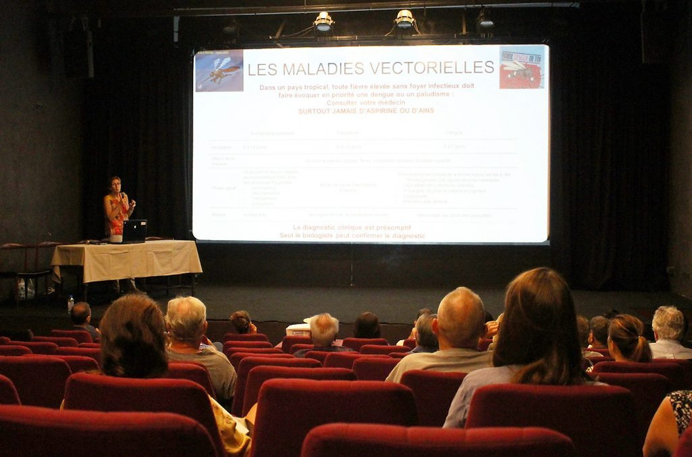 Alexandra Kerléguer, chef du laboratoire de biologie médicale de l'Institut Pasteur, a animé la conférence « santé »