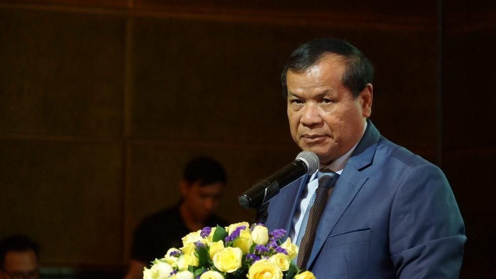 Dr Thong Khon, Ministre du tourisme