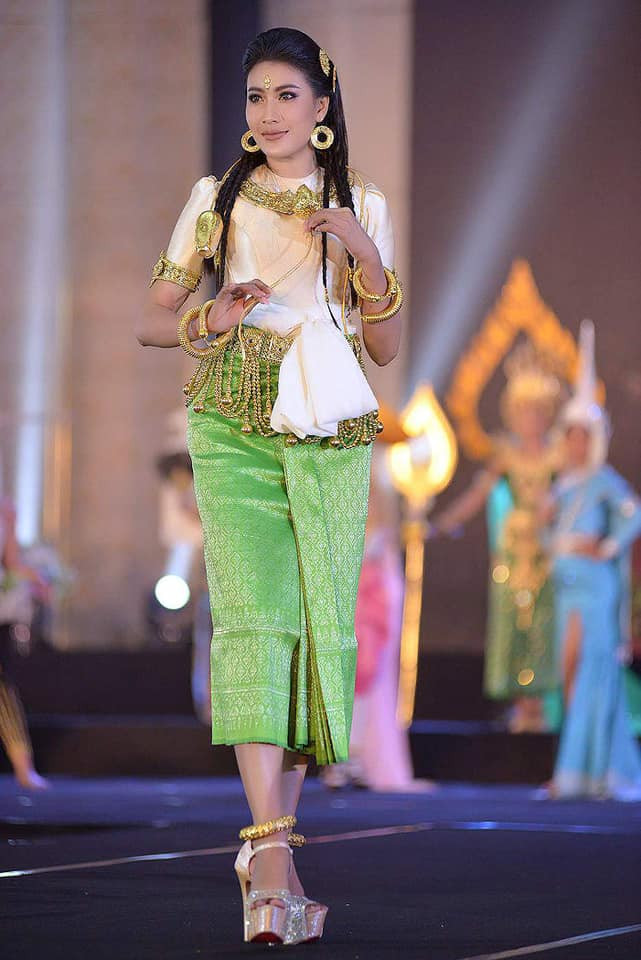 Liu Jili, 24 ans, représentante de la province de Banteay Meanchey