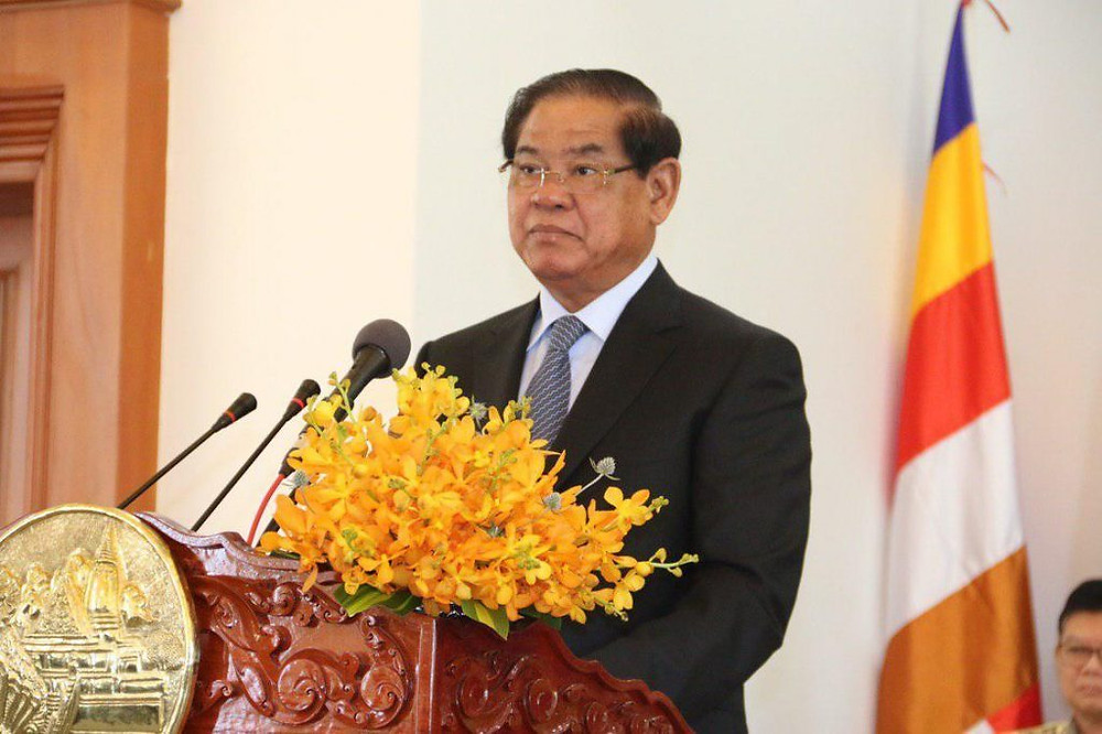 Le ministère de l'Intérieur, S.E. Sar Kheng a déclaré dans une circulaire que le délai imparti aux ressortissants étrangers pour une demande de résidence permanente est expiré.