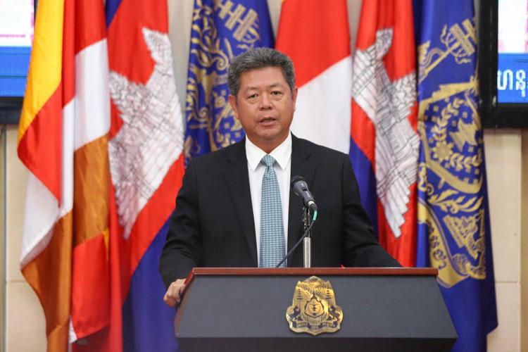 Le gouverneur de la province de Preah Sihanouk, S.E. Kuoch Chamroeun