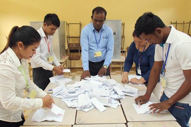 Le Comité national électoral (CNE) a annoncé hier reconnaître officiellement 11 des 20 partis politiques inscrits pour les sixièmes élections parlementaires de juillet prochain.