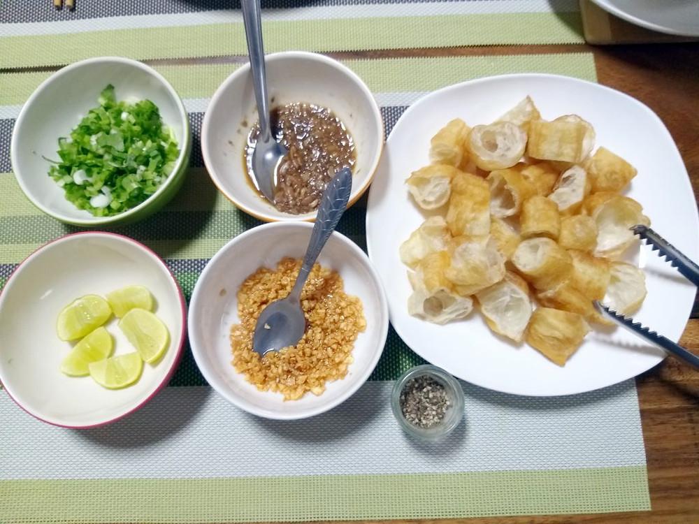 Ingrédients d'accompagnement - Bouillie de riz au poisson – « bâ-bâ trei » (បបរត្រី)