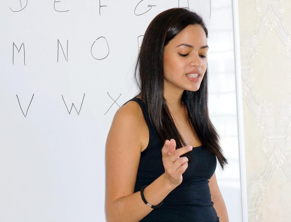 Diana Marcela Ram, professeur de français pour les enfants des bidonvilles