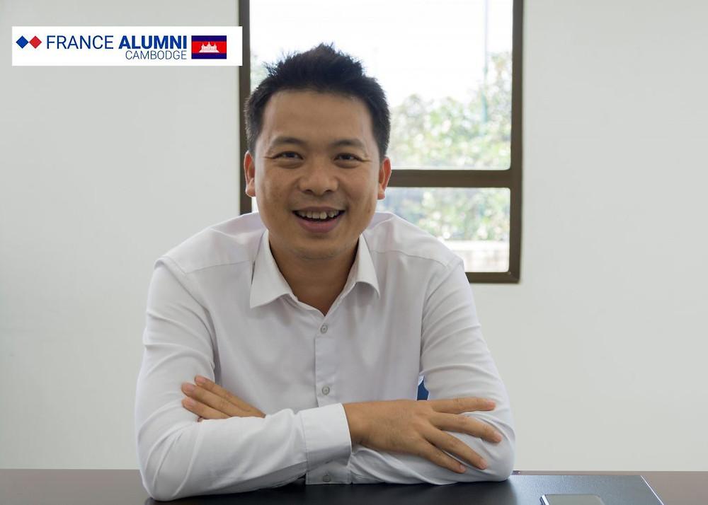 Seng Sopheap est le président de l'Institut National des Postes, Télécommunications et Technologies de l'Information et de la Communication (NIPTICT)