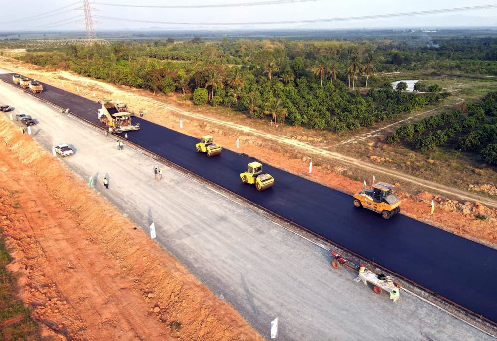 La construction de l'autoroute Phnom Penh-Sihanoukville achevée à 50 %.