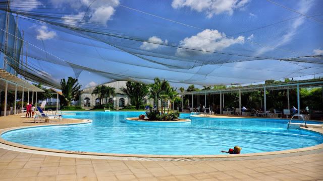 La très belle piscine du DIB Club