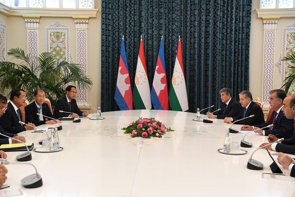 Cambodge et Tadjikistan souhaitent élargir leur coopération bilatérale