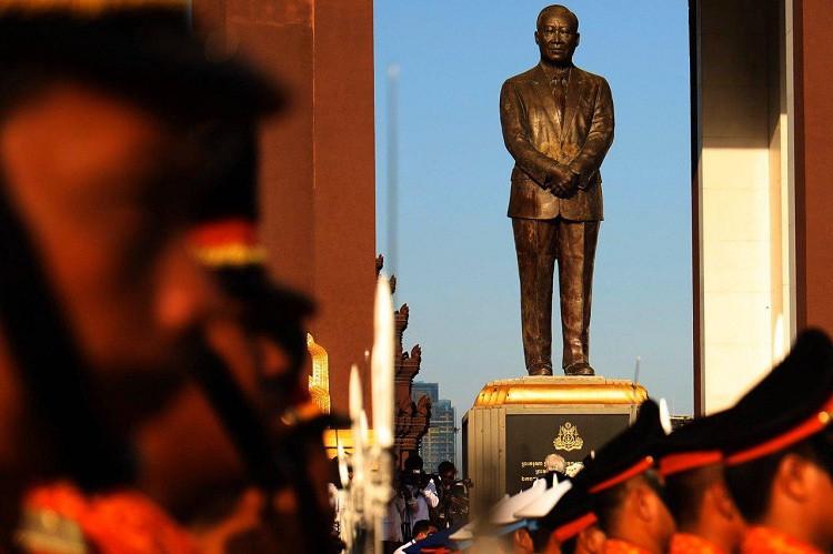 Le Cambodge commémore le septième anniversaire du décès du Roi-père