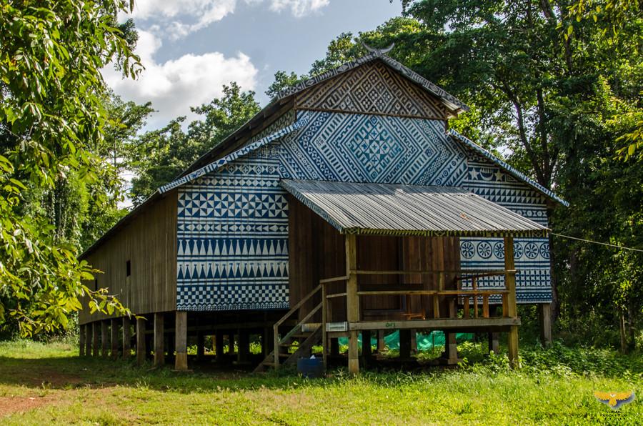 Une maison traditionnelle au bord de Yeak Laom