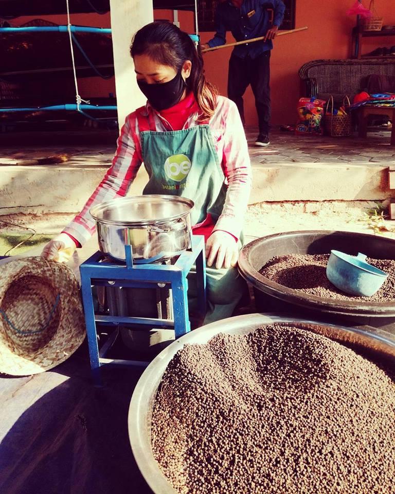 Préparation de poivre chez Botanik Essence