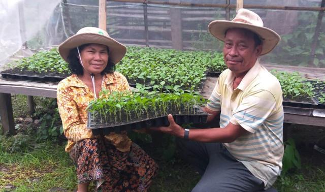 Khen Lot et son épouse Feur Sang dans leur ferme