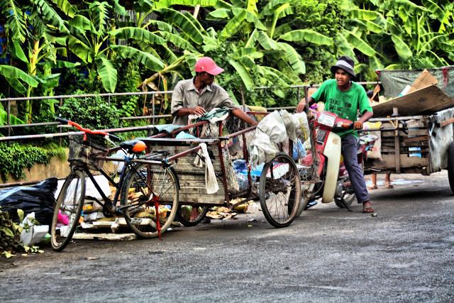 On estime à plus de 3 000 le nombre de ramasseurs de déchets à Phnom Penh