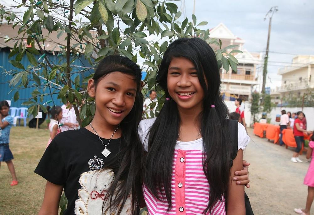 Nayheang et sa sœur aînée, Nayhouy