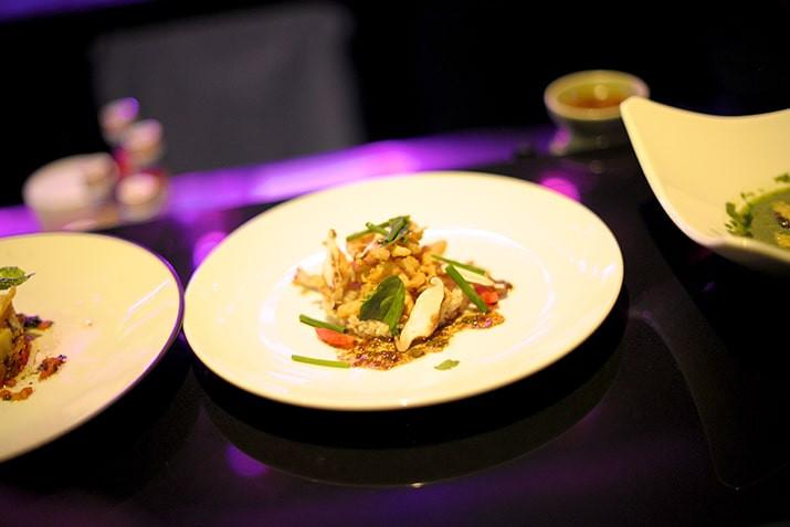 les jumeaux Kimsan, chefs du célèbre restaurant Embassy, ont eux-mêmes conçu le menu