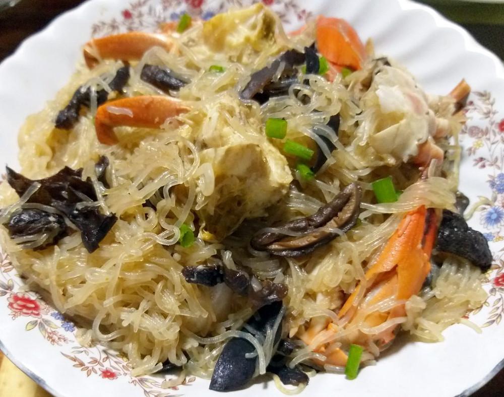 Crabes et vermicelles de Longkou à la vapeur