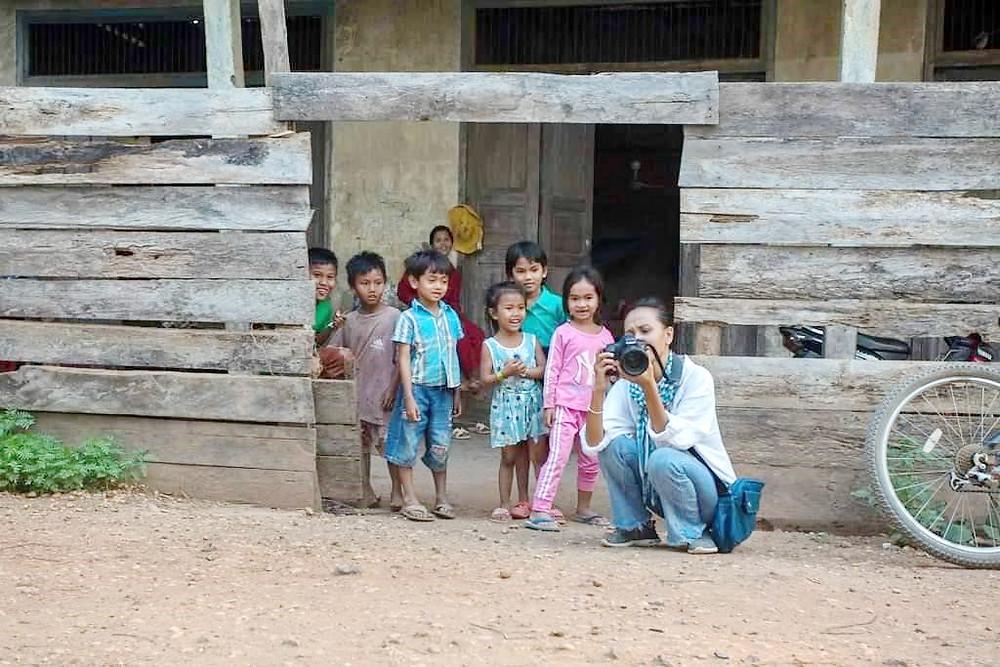 Sur le terrain avec les enfants