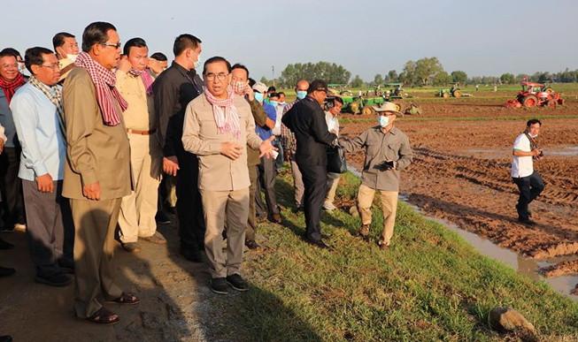 Le Premier ministre rend visite aux agriculteurs