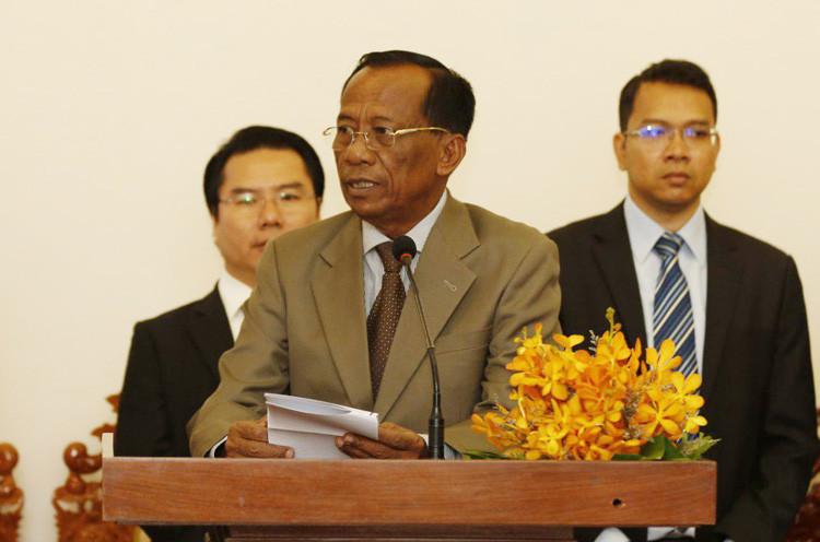 S.E. Vong Sauth, le ministre de tutelle