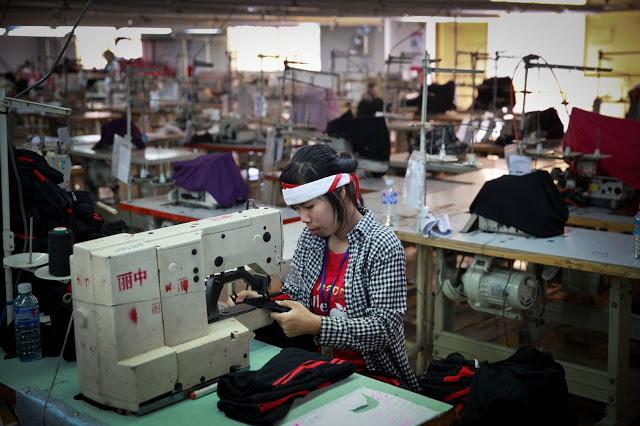 Le Cambodge devient le premier exportateur de la région. Photographie ILO (cc)