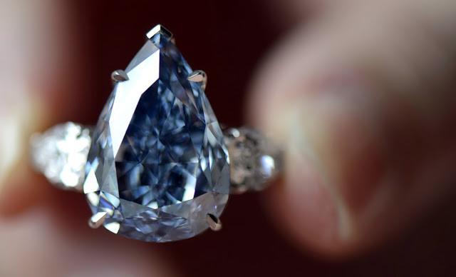 Le fameux diamant bleu...