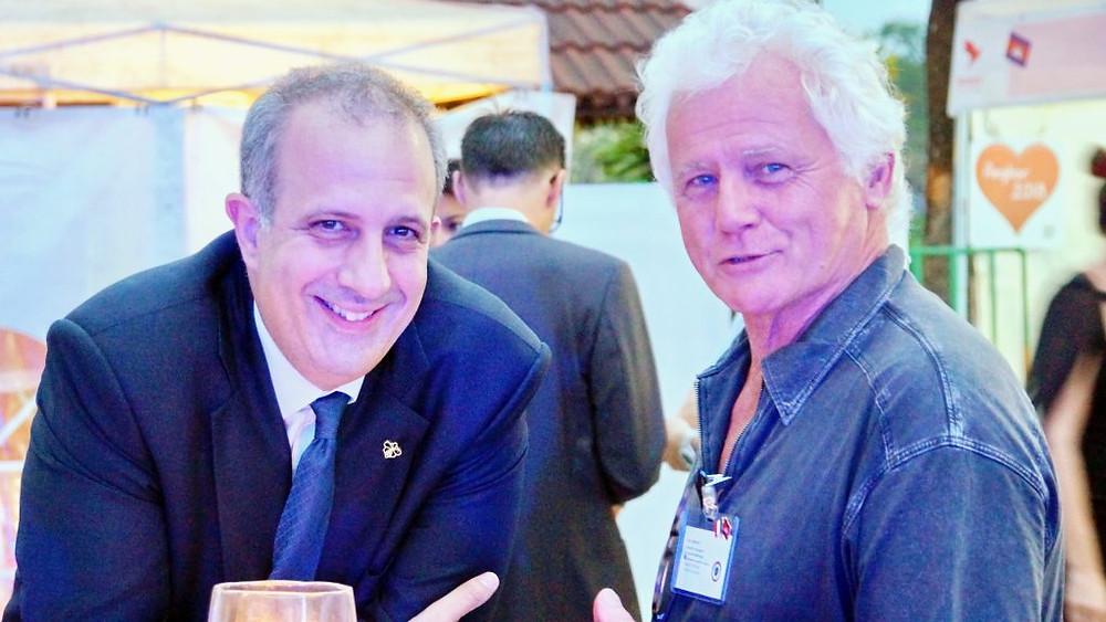 Arnaud Darc, PDG du groupe Thalias, en discussion avec Jean Lestienne, Conseiller consulaire à Siem Reap