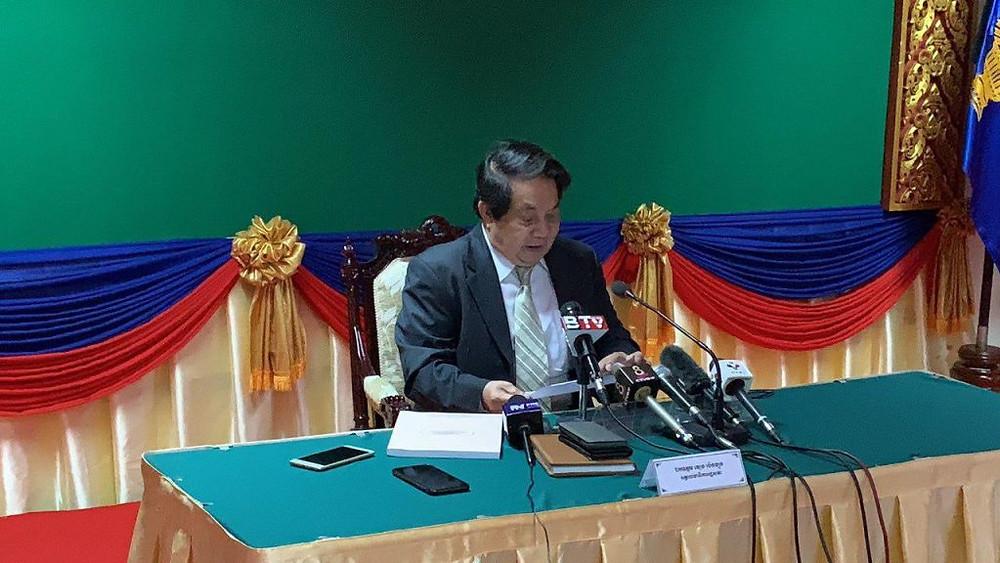 Le porte-parole de l'Assemblée nationale, Leng Peng Long, a déclaré que le Parlement insérerait un paragraphe dans l'article 45, de sorte que toute personne interdite par la Cour suprême de faire de la politique, de se présenter aux élections ou d'adhérer à tout parti politique verra ses droits restaurés.