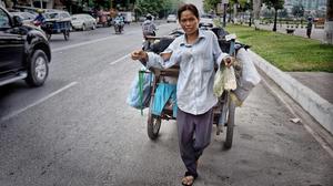 Chiffonnière à Phnom Penh. Photo C.Gargiulo