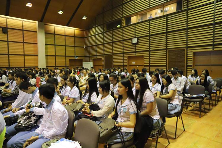 Les lycéens cambodgiens à la conquête du Japon