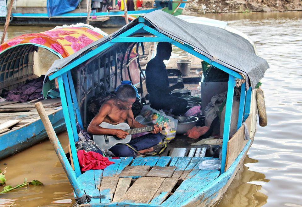 Pêcheur cham à Phnom Penh