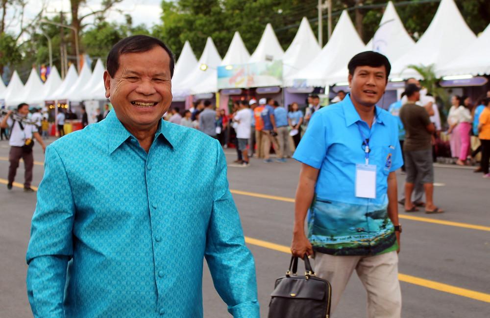 le ministre du Tourisme, S.E. Dr Thong Khon