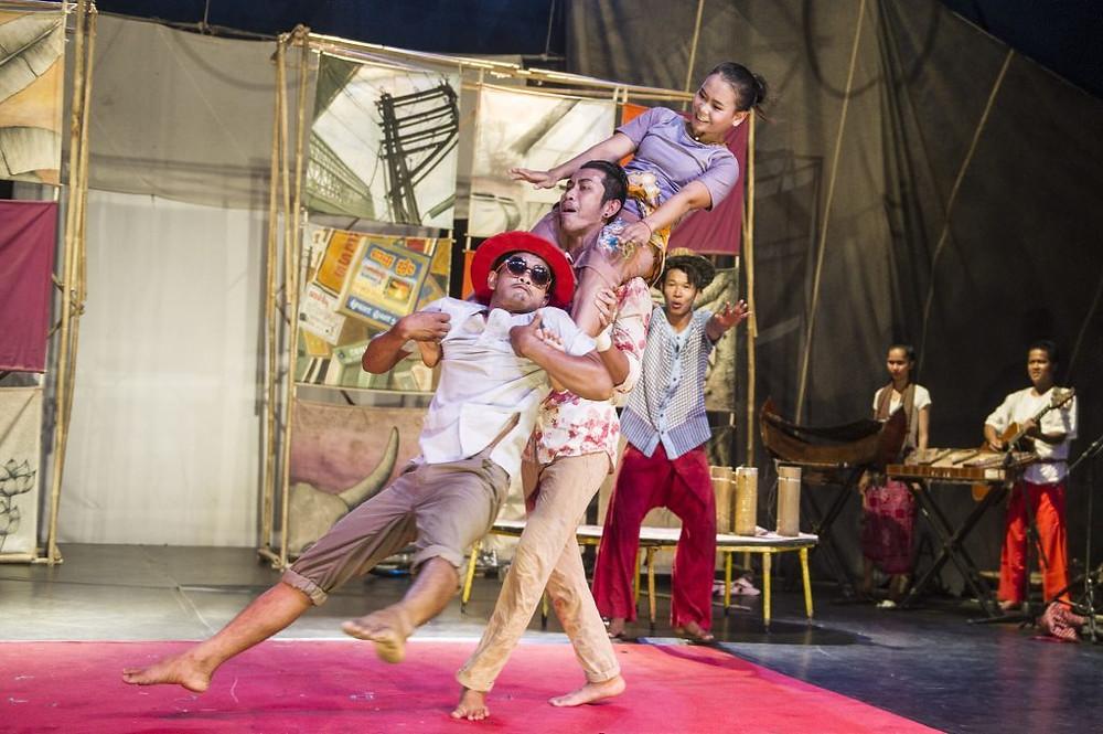 Arts - Événement : Phare Ponleur Selpak fête ses 25 ans