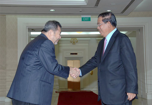 Tan Heng Chew, président de Tan Chong Group et Samdech Techo Hun Sèn