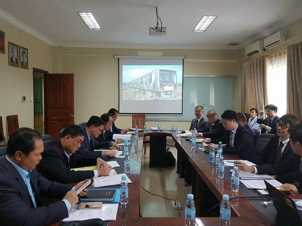 Train aérien : Sun Chanthol annonce les travaux pour 2019