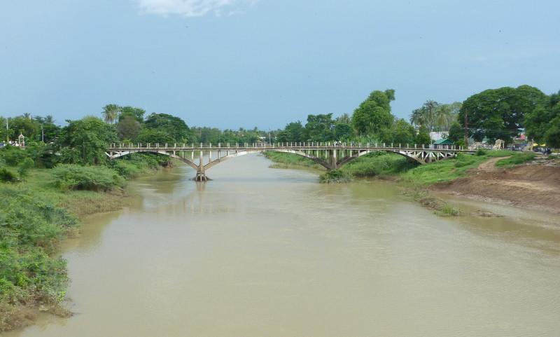 Le vieux pont français sur la rivière Stung Sanker