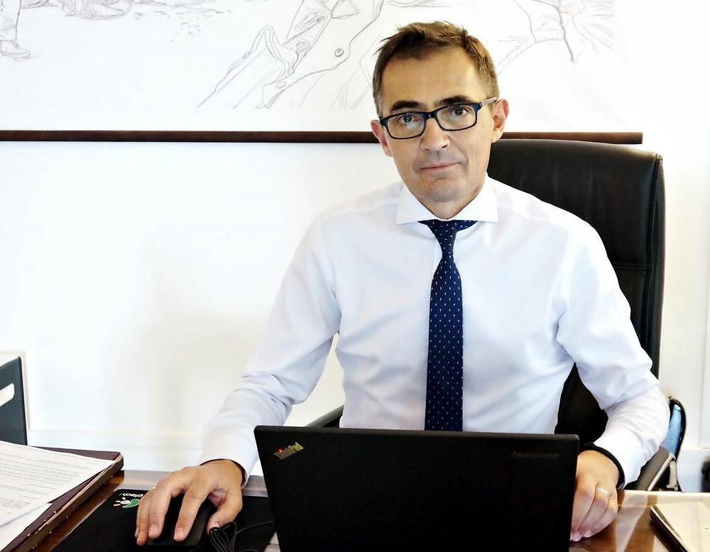 Guillaume Narjollet est Conseiller de coopération et d'action culturelle et Directeur de l'Institut Français du Cambodge