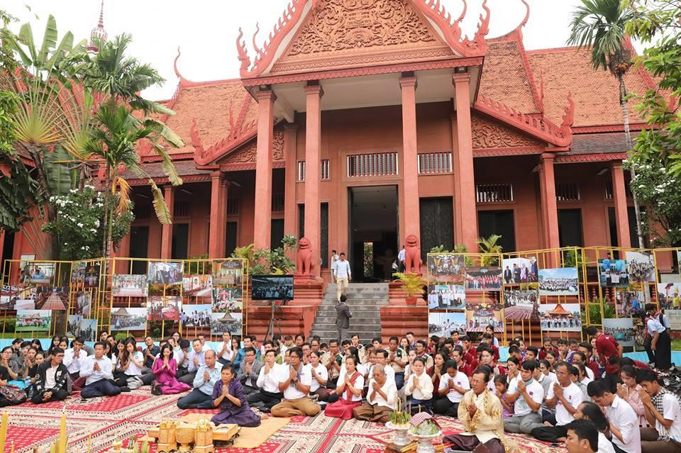 La cérémonie d'inauguration officielle de l'exposition