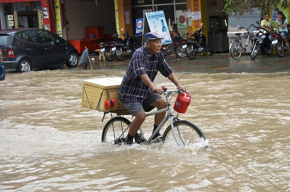 Inondation au Cambodge. Photographie par Chris Lewis (cc)