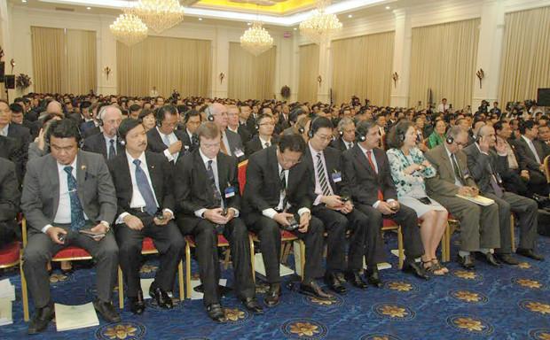 Cet événement a réuni quelque mille participants, essentiellement des membres du gouvernement, des hauts officiels des ministères et institutions concernés, des représentants du secteur privé, du corps diplomatique étranger, des partenaires de développement, et des chercheurs.