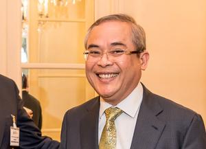 l'ambassadeur du Cambodge en France, Son Excellence Dr Widhya CHEM
